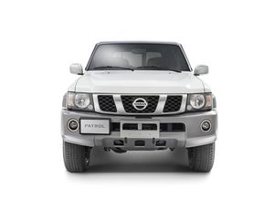 2017-Nissan-Patrol-Super-Safari-Y61-White-Exterior-Front-Static