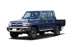 toyota-land-cruiser-70-re-release-02-front-three-quarter